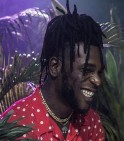 {:fr}Avec 'Outside', le nigérian Burna Boy signe un album flamboyant{:}{:en}With his new album 'Outside', Burna Boy sets a high standard for 2018{:}